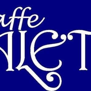 Photo prise au Caffe Vialetto par Ernie F. le7/14/2012