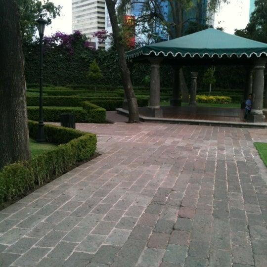 รูปภาพถ่ายที่ Hacienda de Los Morales โดย Diego A. เมื่อ 6/12/2012