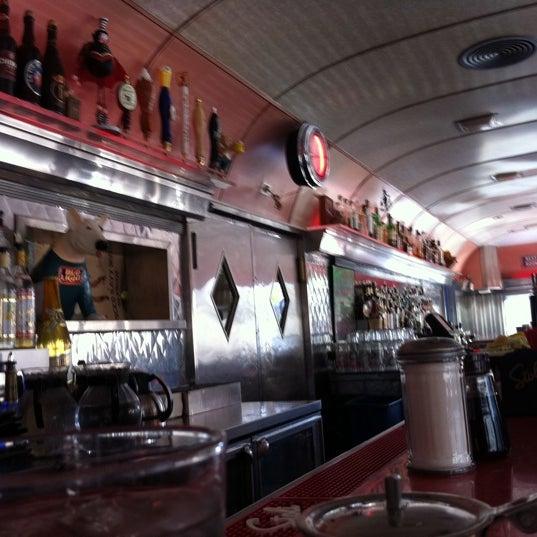 Снимок сделан в Silk City Diner Bar & Lounge пользователем David M. 10/9/2011
