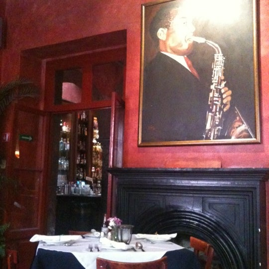 Photo taken at Hank's San Miguel de Allende by Kar G. on 5/17/2012
