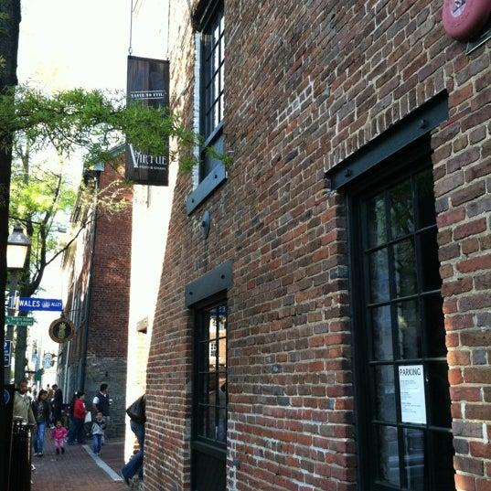 Foto tirada no(a) Virtue Feed & Grain por Dai L. em 4/6/2012