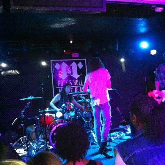 Foto tomada en Rock & Roll Hotel por Daniel S. el 3/11/2012