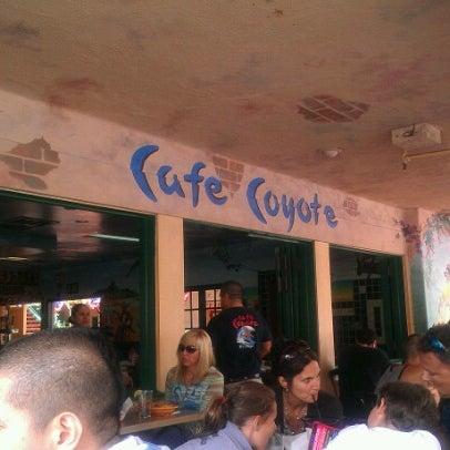 รูปภาพถ่ายที่ Cafe Coyote โดย Joyce F. เมื่อ 7/5/2012