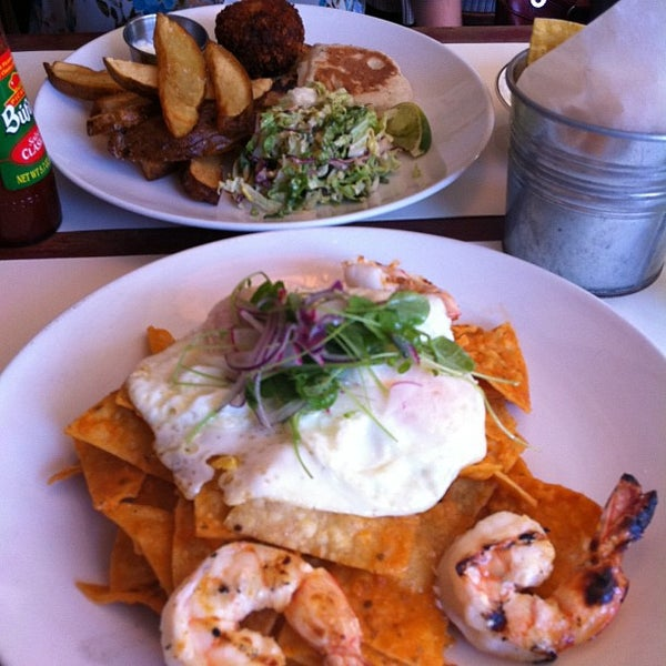 Photo prise au Rosarito Fish Shack par Brenda O. le4/29/2012