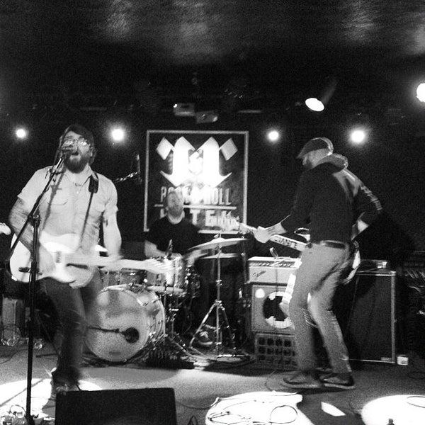 Foto scattata a Rock & Roll Hotel da James C. il 4/22/2012