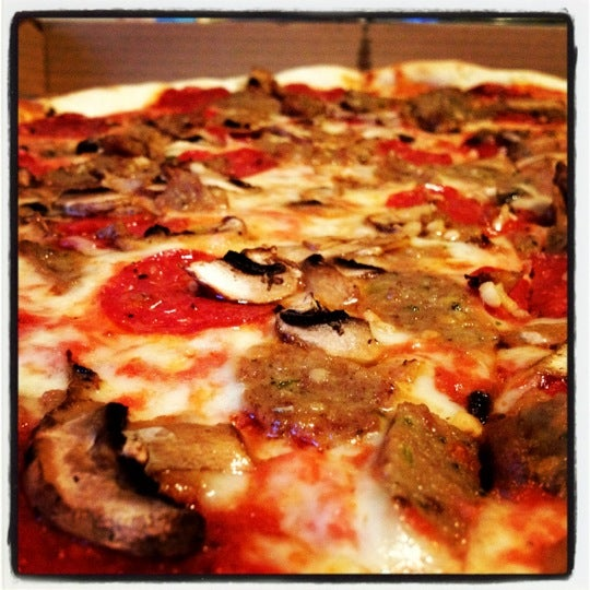 Foto scattata a La Rocco's Pizzeria da Serena E. il 8/20/2012