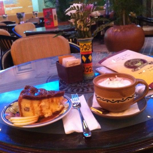 2/29/2012 tarihinde Naif @ ♌️ziyaretçi tarafından Caffe Aroma Ksa'de çekilen fotoğraf