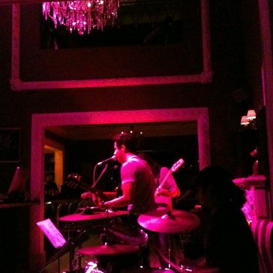 Das Foto wurde bei Club Saltillo 39 von El mono con A. am 7/6/2012 aufgenommen