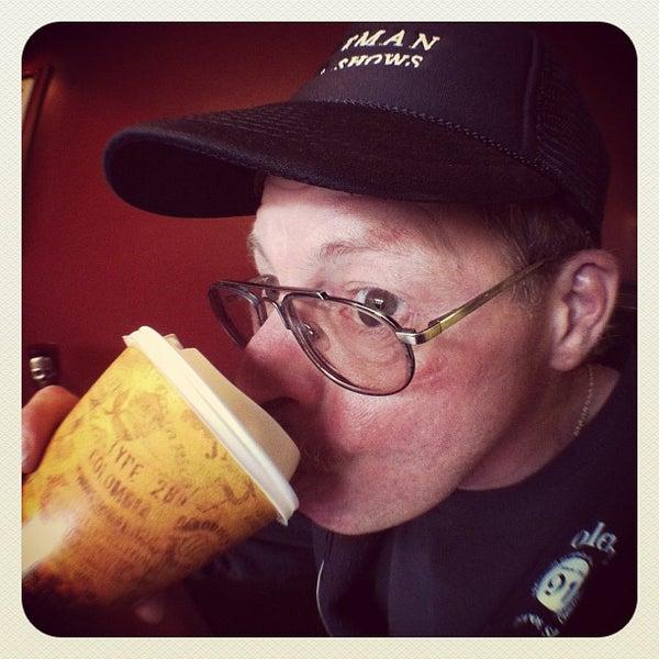 10/18/2011에 Eric Thomas C.님이 Silverbird Espresso에서 찍은 사진