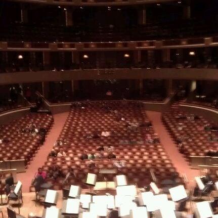 Foto tirada no(a) Morton H. Meyerson Symphony Center por K. D. em 11/19/2011