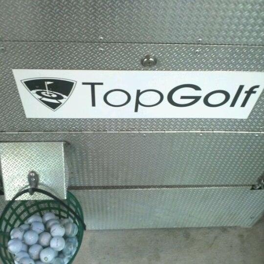 Foto diambil di Topgolf oleh Jon-Robert J. pada 4/23/2012