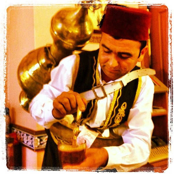 Снимок сделан в Ramazan Bingöl Et Lokantası пользователем Gökhan K. 8/1/2012