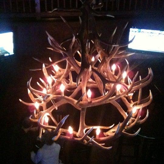 12/24/2010 tarihinde John S.ziyaretçi tarafından Royal Oak Bar and Grill'de çekilen fotoğraf