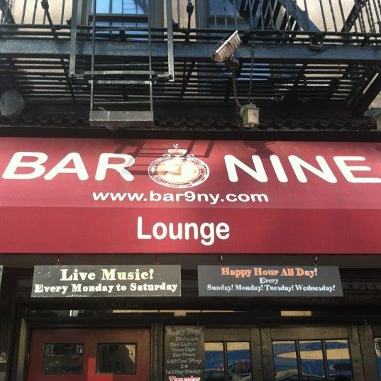 Foto tirada no(a) Bar Nine por Frank V. em 7/27/2012