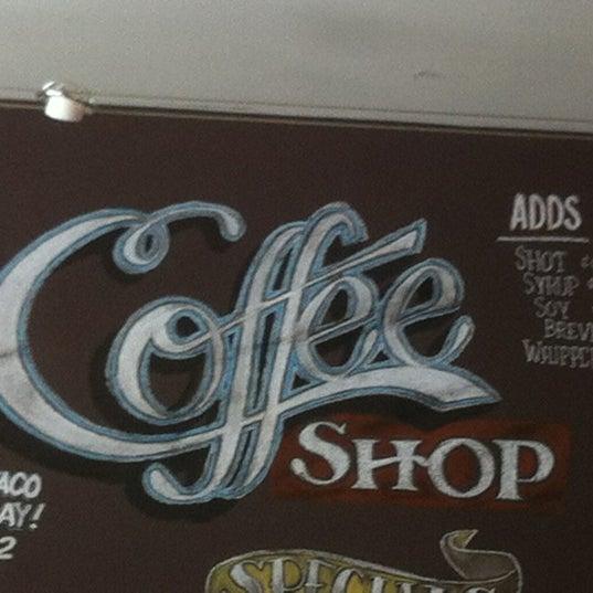 Das Foto wurde bei The Coffee Shop at Agritopia von Martha am 7/22/2012 aufgenommen