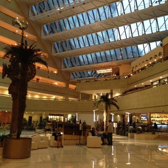 Снимок сделан в Crowne Plaza пользователем Anastasia 8/28/2012