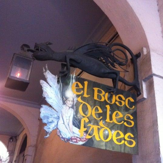 รูปภาพถ่ายที่ El Bosc de les Fades โดย Alex B. เมื่อ 5/14/2012