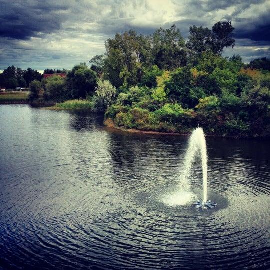 Foto scattata a Doc's Sports Retreat da Angie L. il 9/8/2012