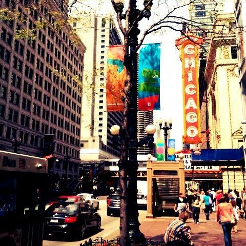 8/10/2012에 Hellen M.님이 The Chicago Theatre에서 찍은 사진