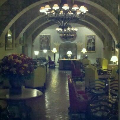 Foto diambil di Belmond Hotel Monasterio oleh Mariana D. pada 7/14/2012