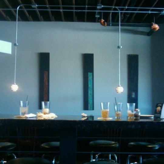 5/16/2012にAngela C.がJoey's Pizzeriaで撮った写真