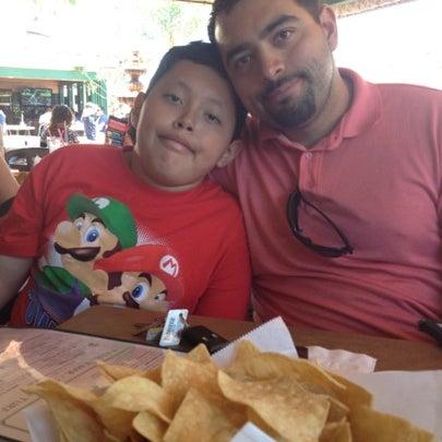 รูปภาพถ่ายที่ Cafe Coyote โดย Sara P. เมื่อ 7/29/2012