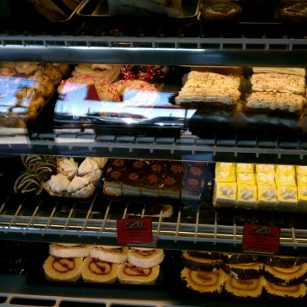 """Foto scattata a Argentina Bakery da James """"Jim"""" F. il 2/11/2012"""