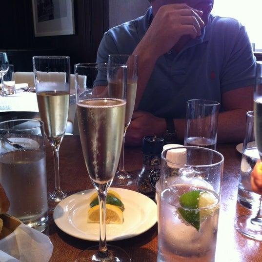 Foto tirada no(a) Ed's Chowder House por Michael em 5/5/2012