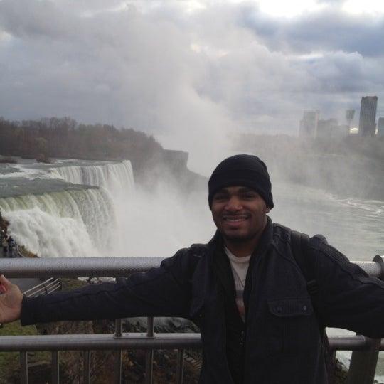 11/11/2011 tarihinde Lester M.ziyaretçi tarafından Niagara Falls USA Official Visitor Center'de çekilen fotoğraf