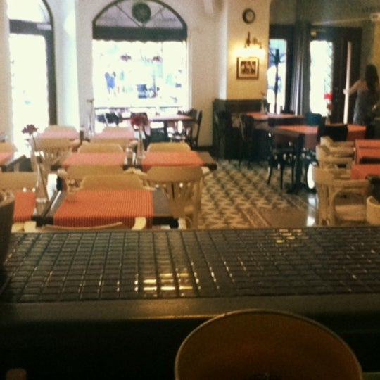 รูปภาพถ่ายที่ Faros Old City โดย Ece เมื่อ 6/28/2012
