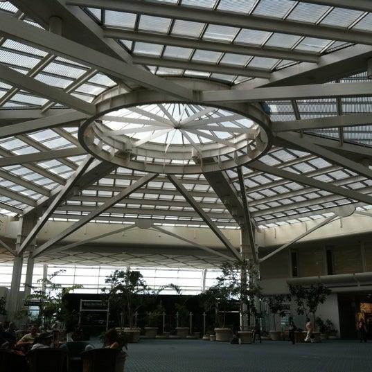 Foto tirada no(a) Aeroporto Internacional de Orlando (MCO) por Steven G. em 10/3/2011