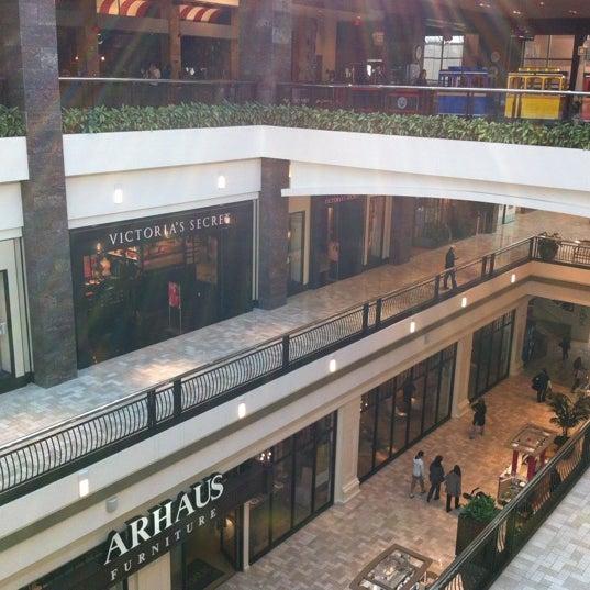 3/6/2012 tarihinde Capt_mm K.ziyaretçi tarafından Tysons Corner Center'de çekilen fotoğraf