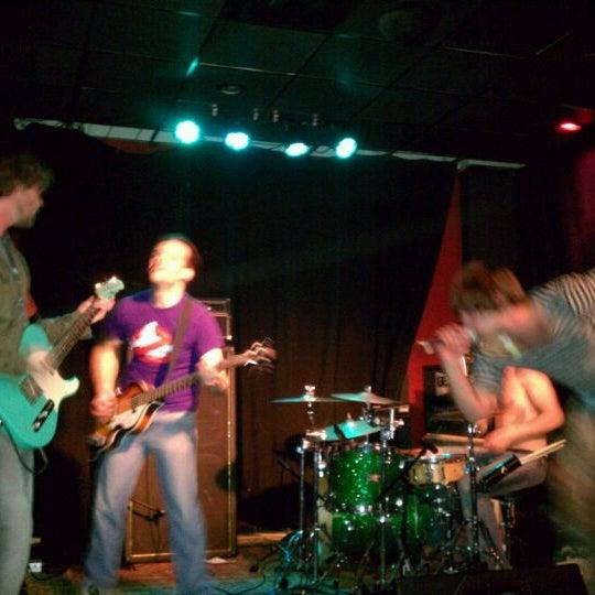 4/9/2011에 Bronson B.님이 Wild Tymes Sports & Music Bar에서 찍은 사진