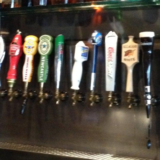 Foto scattata a SmithHouse - BBQ, Burgers, Brews da Rob H. il 5/20/2012