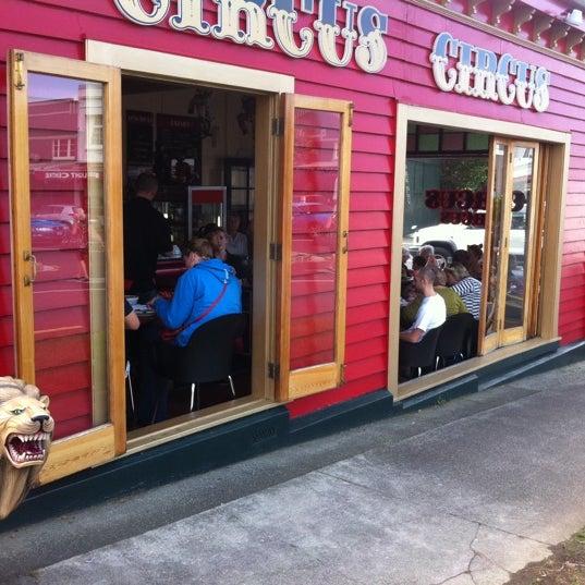 Foto tirada no(a) Circus Circus Cafe por Michelle em 4/9/2011