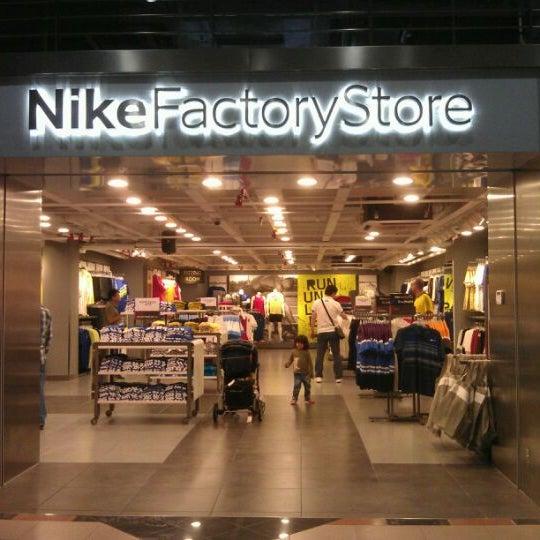 vente chaude en ligne e1051 e0bc4 Nike Factory Store (Now Closed) - 19 tips