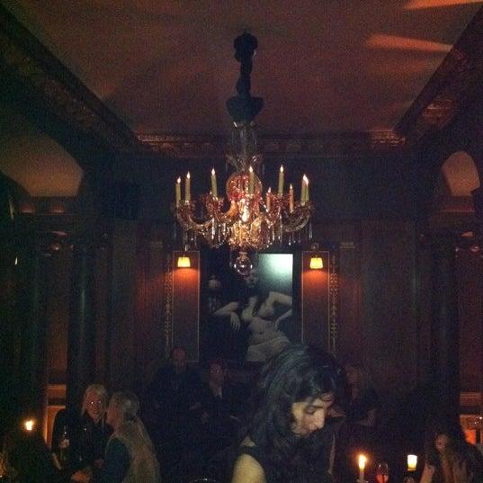 Foto diambil di Hôtel Costes oleh Yael R. pada 3/3/2012
