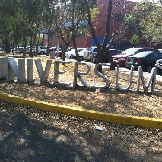 รูปภาพถ่ายที่ Universum, Museo de las Ciencias โดย Tania G. เมื่อ 1/28/2012