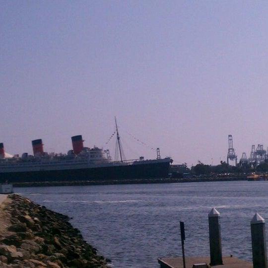 Снимок сделан в Parkers' Lighthouse пользователем Aaron Chiklet A. 9/26/2011