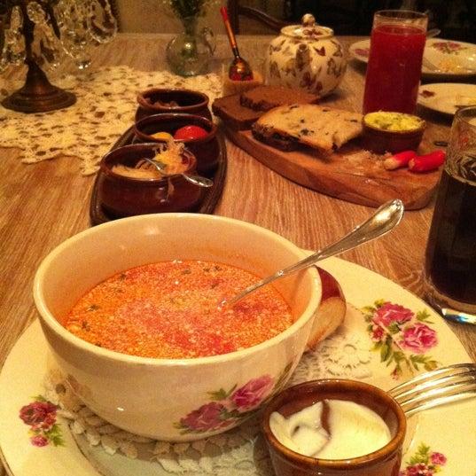 รูปภาพถ่ายที่ Mari Vanna โดย Anna K. เมื่อ 4/29/2012