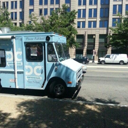 7/25/2012にJerry W.がDC Empanadasで撮った写真