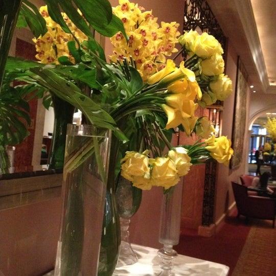 Foto scattata a Lotte New York Palace da C M. il 4/9/2012