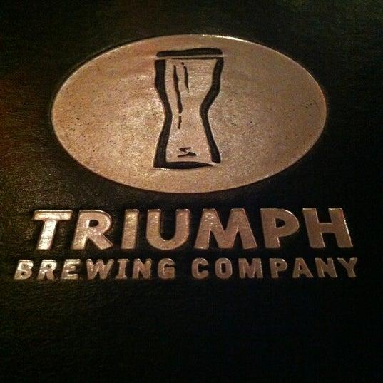 6/1/2012 tarihinde bryan b.ziyaretçi tarafından Triumph Brewing Company'de çekilen fotoğraf