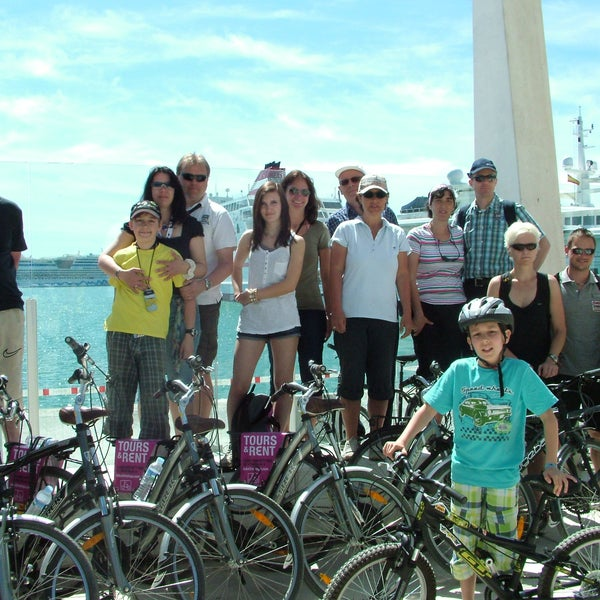 discover the new Marina of Malaga with our bikes!
