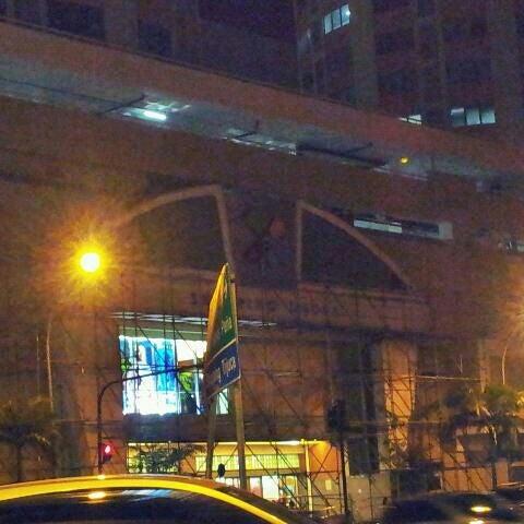 9/30/2011 tarihinde Leo V.ziyaretçi tarafından Shopping Tijuca'de çekilen fotoğraf