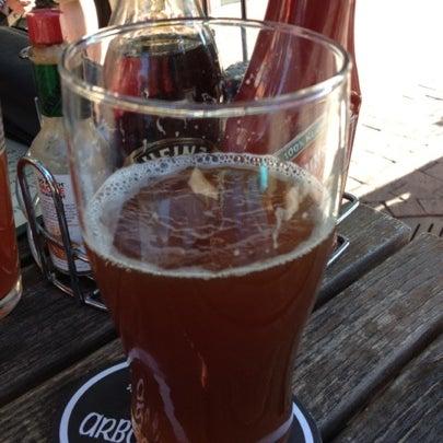 Foto tomada en Arbor Brewing Company por Nick B. el 7/20/2012