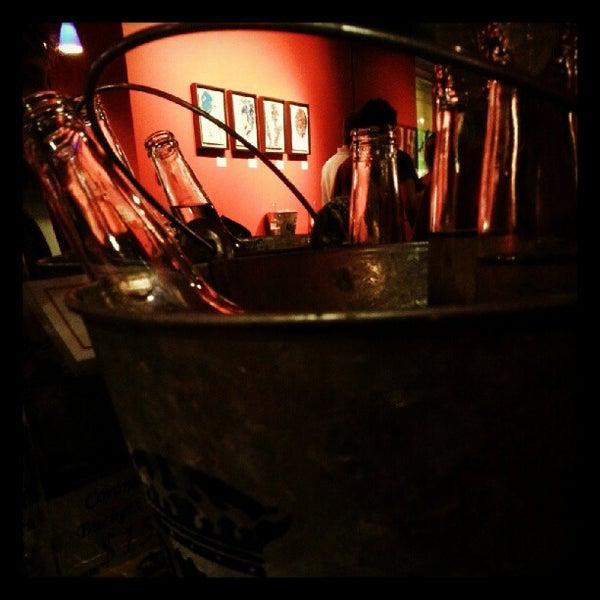 Снимок сделан в Bar Thalia пользователем Mike Z. 7/26/2012