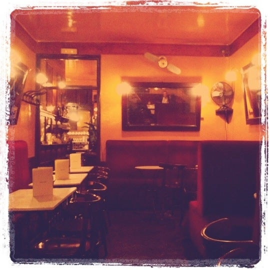 Photo prise au Café de Ruiz par Nicholas F. le1/10/2011