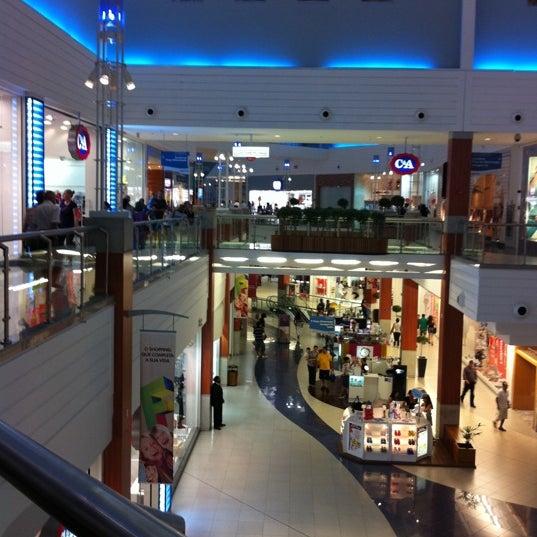 Снимок сделан в Floripa Shopping пользователем Ingo S. 3/10/2011