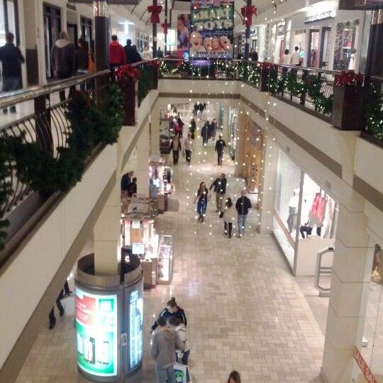 12/20/2011 tarihinde Ant C.ziyaretçi tarafından Tysons Corner Center'de çekilen fotoğraf